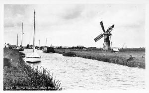 Norfolk Broads, Thurne Staithe, Windmill, River, Boats (Suffolk)