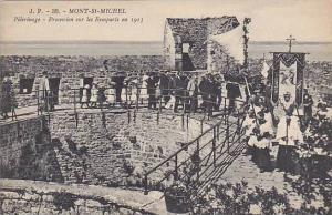 Pelerinage, Procession Sur Les Remparts En 1913, Mont St-Michel, Manche, Fran...