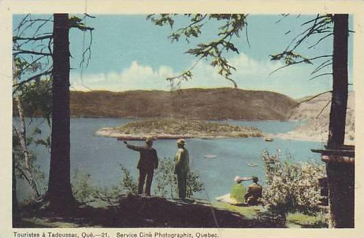 Touristes a Tadoussac, Quebec , Canada , 1940s