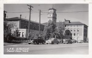 RP: MOOSE JAW, Sask. , Canada , 1930-40s , C.P. Railroad Station