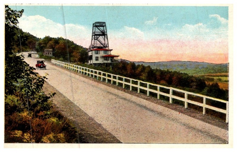 Massachusetts , Mohawk Trail , Longue View Lookout over Greenfield Valley