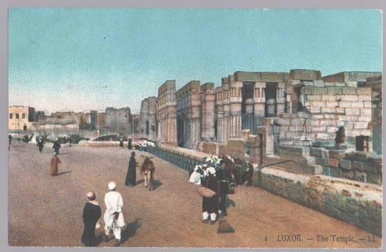 099000 EGYPT Luxor The temple native types Vintage colorful PC