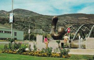 TRAIL , British Columbia , Canada , 1920-1940s ; Fountain