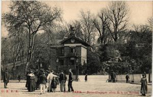 CPA PARIS (19e) Buttes Chaumont. entrée de la rue Secretain (537919)