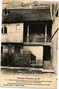 CPA  Besancon Historique (M.D.) -Galerie de bois sculpée dans la cour...(182913)