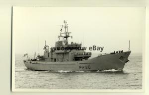 na1082 - Royal Navy Warship -  HMS Shetland - photograph