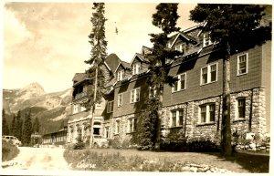 Canada - Alberta, Lake Louise. Deer Lodge.  *RPPC