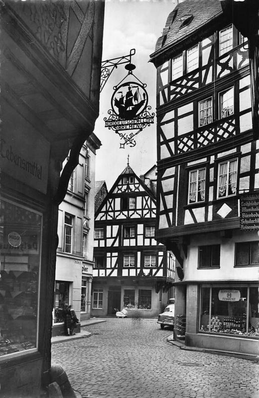 Bernkastel Mosel Alter Winkel Street Vintage Car Postcard