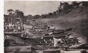 RP: Ravitaillement du Marche par les pirogues , DOUALA , CAMEROUN, Africa, 19...