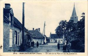 CPA Marchais-Beton - Un coin de la Place et rue du Commerce (357763)