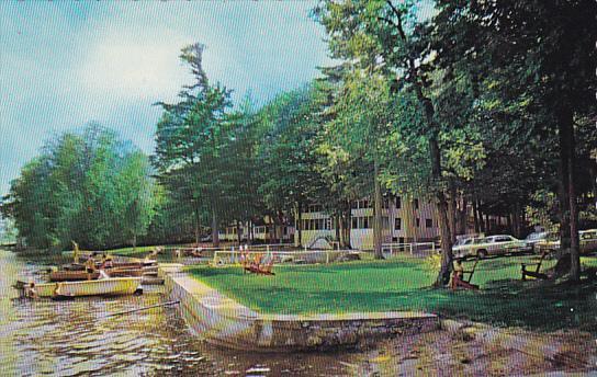 Canada Beachwood Lodge Lakefield Ontario / HipPostcard