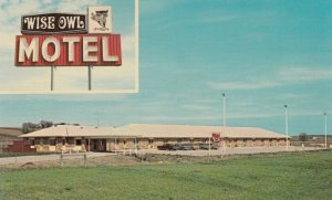 ATLANTA, Iowa, 1940-60s; 2-views, Wise Owl Motel, Classic Cars