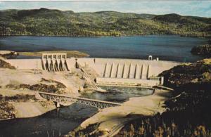 Le plus grand barrage-poids a joints evides du monde, MANIC 2, Quebec, Canada...