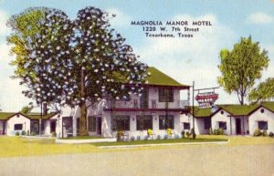 MAGNOLIA MANOR MOTEL, TEXARKANA, TEXAS Owned by Mr & Mrs H L Collier