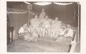 RP: Circus / Sideshow The World's fattest family , 3,312 lbs total weight . 30