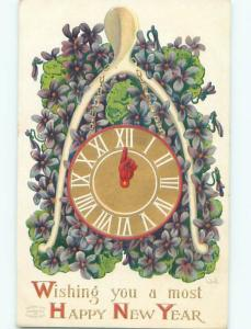 Divided-Back NEW YEAR SCENE Great Postcard AA2110