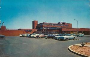 Autos H.J. Heinz Company Tracy California 1950s Roberts postcard 8041