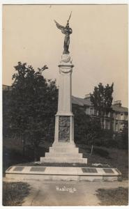 Sussex; Hastings War Memorial RP PPC Unposted, c 1920's