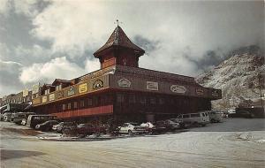 Tonopah Station, modern rustic shopping center, Station House Motor Hotel, cars
