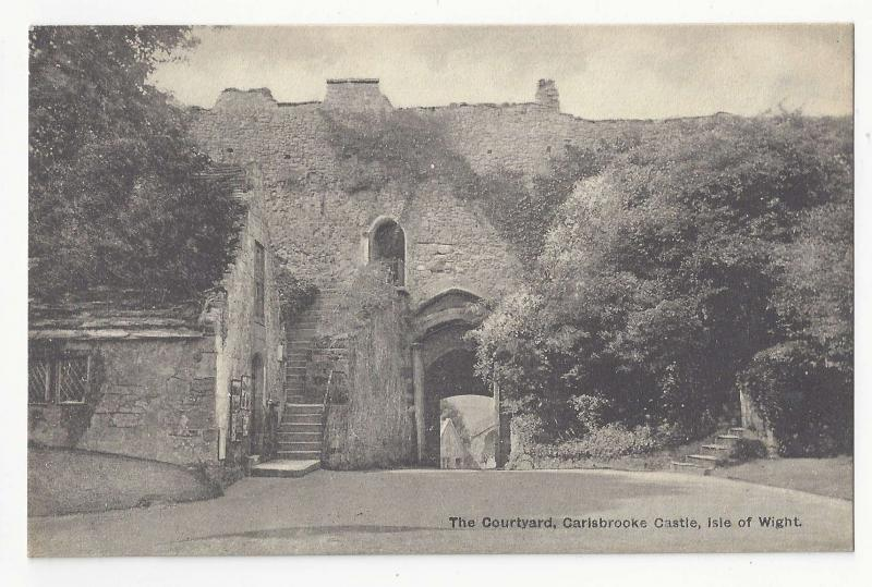 England UK Isle of Wight Carisbrooke Castle Courtyard Vintage T Piper Postcard