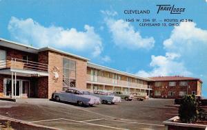 Cleveland Ohio~TraveLodge~Sleepwalking Bear on Motel Side~1950s Cars~Postcard