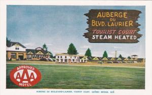 Auberge Du Blvd. Laurier Tourist Court, Quebec Bridge, Quebec, Canada 1960-70´s