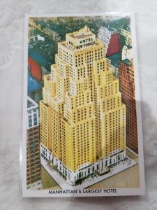 Antique Postcard, Hotel New Yorker, Manhattan's Largest Hotel