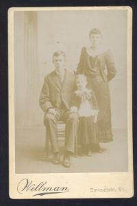 SPRINGFIELD VERMONT WELLMAN REAL PHOTO MOUNTED PHOTOGRAPH 1890's FAMILY
