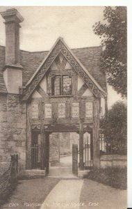 Gloucestershire Postcard - Painswick - The Lychgate - East - Ref 19295A