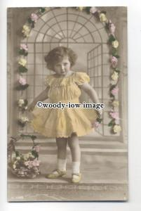 su2810 - Young Posy Girl, in Beaded Lace Dress, & Arch of  Flowers -  postcard