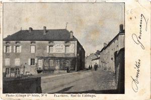 CPA  Flavigny - Rue de l'Abbaye   (586907)