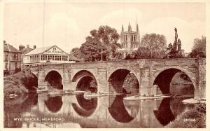 England Hereford, Wye Bridge, Sully's Garage 1949