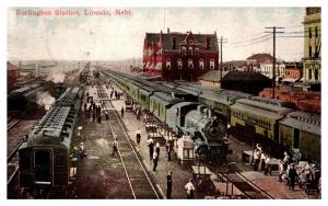 Nebraska Lincoln , Burlington Station , loading Railroad Trains Cars