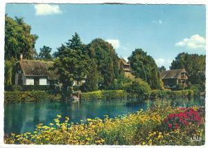 MORET-SUR-LOING, Les rivages fleuris du Loing et la maison de Michel Clemenceau