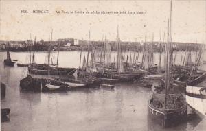 Morgat (Finistere), France, 1900-10s ; Au Port