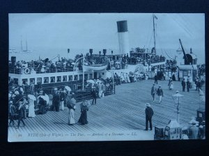 Isle of Wight RYDE The Pier ARRIVAL OF A STEAMER Postcard by Levy LL.10