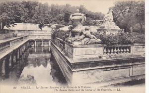France Nimes Las Bassins Romains et la Statue de la Fontaine