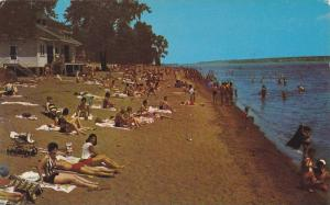 Sunbathing, St. Lawrence River, Parc Municipal de L'Ile St-Quentin, Trois-Riv...