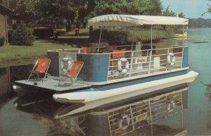 GAINESVILLE , Georgia , 50-60s ; Riviera Crusier Boats