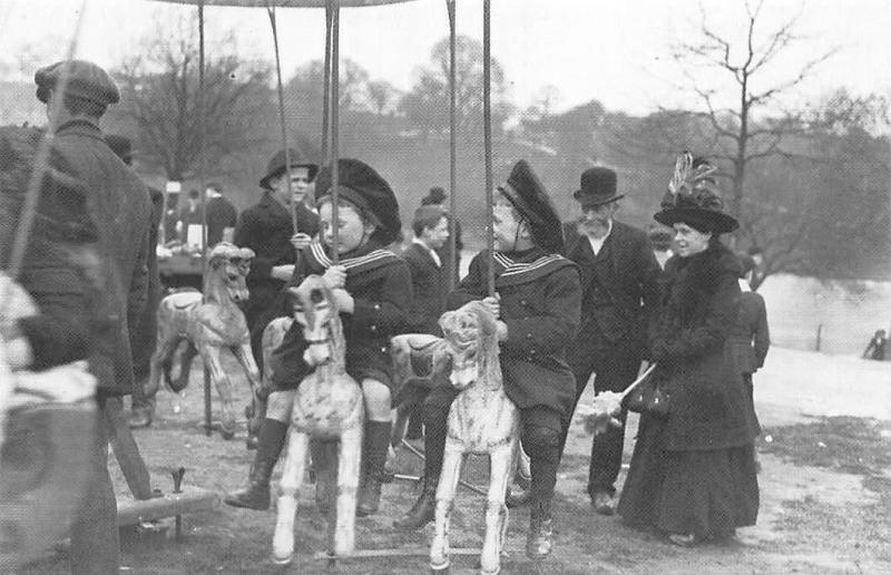 Londeners, Hampstead Heath, Children's Roundabout, Nostalgia Reprint