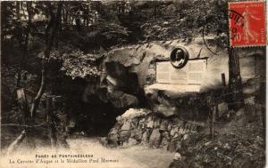 CPA Foret de FONTAINEBLEAU - La Caverne d'Augas et le Medaillon Paul (249043)