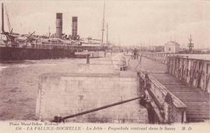 Oceanliner, La Jetee, Paquebots Rentrant Dans Le Sasso, La Pallice- Rochelle ...