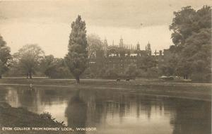 Romney Lock - Eton College - Windsor England - Postcard