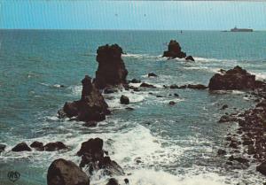 France Agde Les Rochers et au fond le Fort Brescou