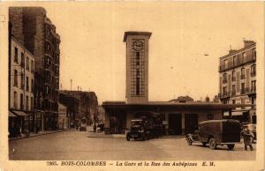 CPA BOIS-COLOMBES La Gare et la Rue des Aubépines (413597)