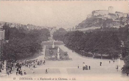 France Lourdes L'Esplanade et le Chateau