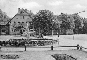 Bad Saarow-Pieskow HO-Gaststaette Cafe Bad Saarow Brunnen Auto Fountain