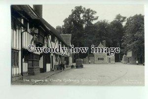 tp0845 - Kent - The Square and Castle Gateway c1940s, at Chilham - Postcard