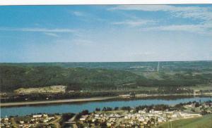 Aerial View, Land of Twelve Foot Davis, Peace River, Alberta, Canada, 40-60´s