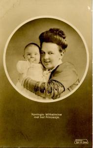 Dutch Royalty -  Queen Wilhelmina and her Princess  *RPPC